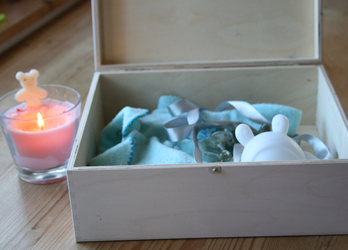 Dárek k narození miminka, krabice na vzpomínky maminky