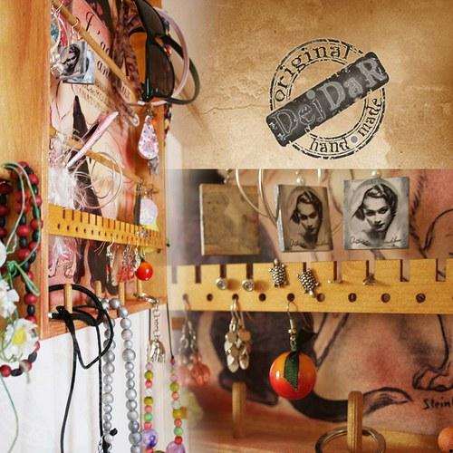 Věšák na šperky – Motiv