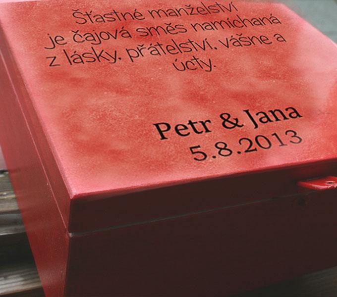 svatební dar s osobním motivem, krabička na čaj