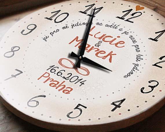 Velké hodiny ke svatbě