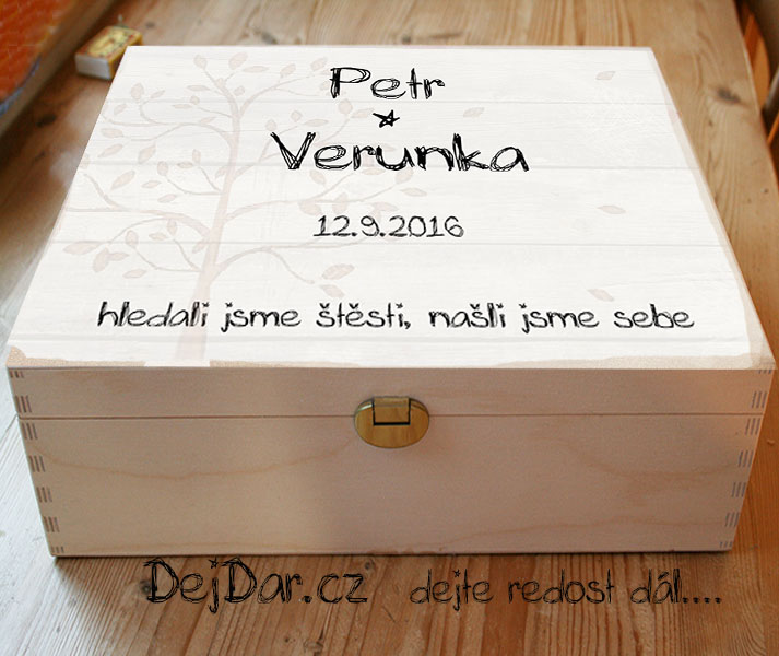 Svatební truhla s minimalistickým designem